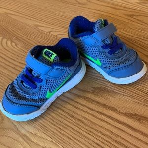 Nike shoes toddler size 6